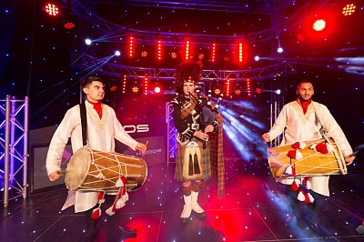 Bagpipers With Dhol3