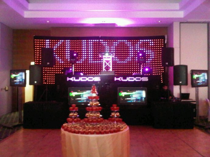 Kudos Lead The Way With Exclusive Black DJ Console