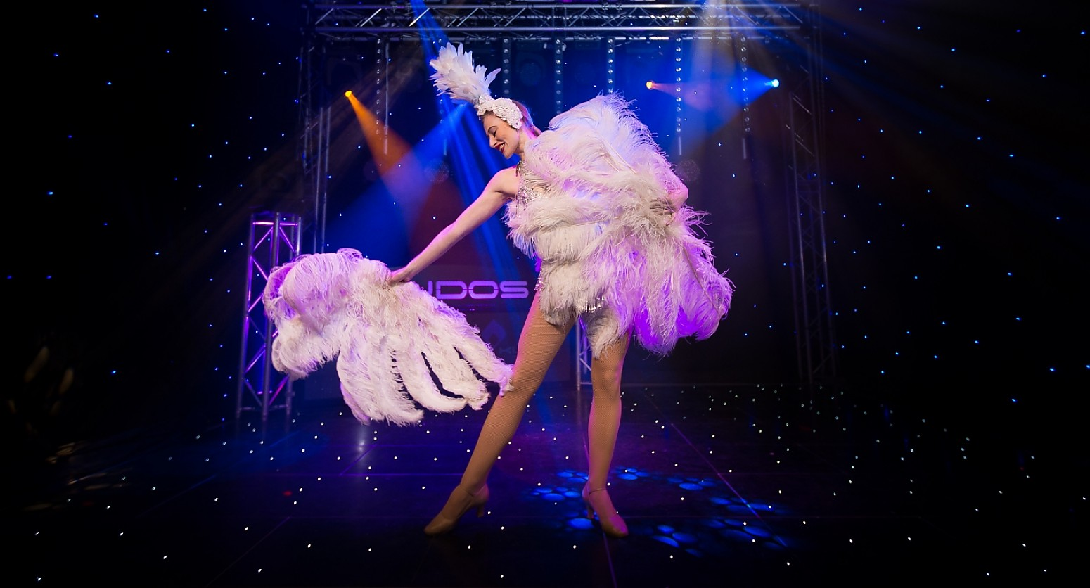Pictures of burlesque dancers Cached